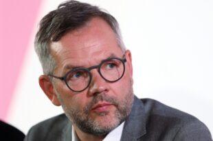 Europa Staatsminister Roth sieht von der Leyen als Verbündete der SPD 310x205 - Europa-Staatsminister Roth sieht von der Leyen als Verbündete der SPD