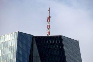 Ex Chefvolkswirt der Deutschen Bank kritisiert EZB Geldpolitik 310x205 - Ex-Chefvolkswirt der Deutschen Bank kritisiert EZB-Geldpolitik
