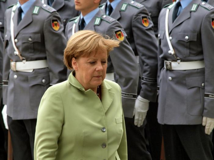 """Bild von Ex-General Both wirft Merkel """"Wortbruch"""" vor"""