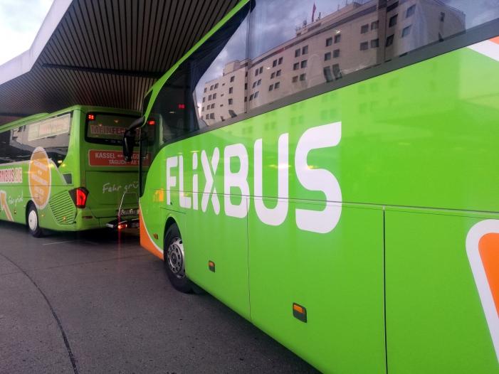 Flixbus Chef Fahrverbot für Busfahrer mit Smartphone am Steuer - Flixbus-Chef: Fahrverbot für Busfahrer mit Smartphone am Steuer