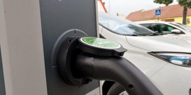 Grüne wollen Ausbau von Elektroauto Ladestationen bei Bundespolizei 660x330 - Grüne wollen Ausbau von Elektroauto-Ladestationen bei Bundespolizei