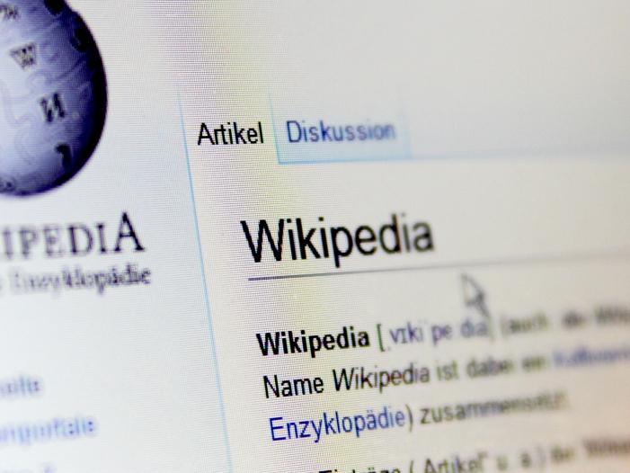 """Bild von Große Störung bei Wikipedia – Angriff bringt Lexikon """"down"""""""