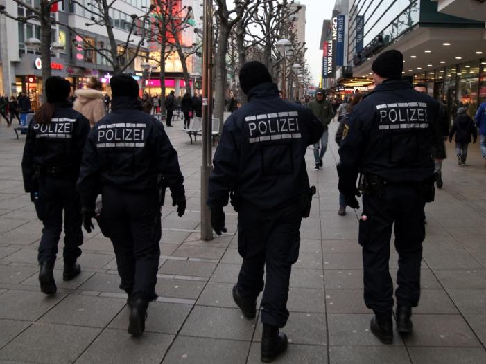 Immer mehr Planstellen bei Sicherheitsbehörden - Immer mehr Planstellen bei Sicherheitsbehörden
