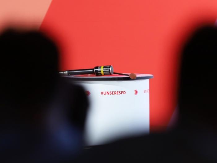 """Jusos stellen """"Musterfragen"""" auf SPD-Regionalkonferenzen"""
