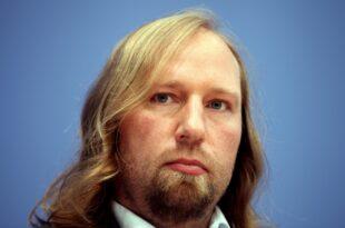 Kampf um Grünen Fraktionsvorsitz Bayram unterstützt Hofreiter 310x205 - Kampf um Grünen-Fraktionsvorsitz: Bayram unterstützt Hofreiter