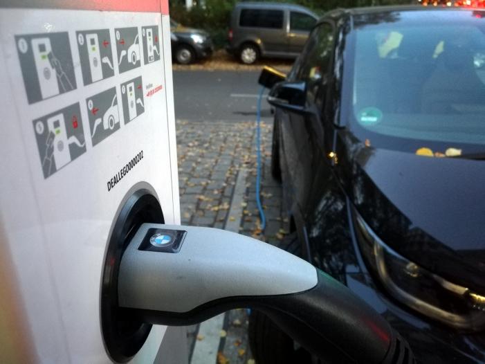 Photo of Kaufprämie für E-Autos stößt weiter nur auf geringe Nachfrage