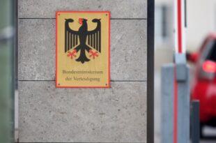 Kramp Karrenbauer bekommt Ärger im Verteidigungsministerium 310x205 - Kramp-Karrenbauer bekommt Ärger im Verteidigungsministerium