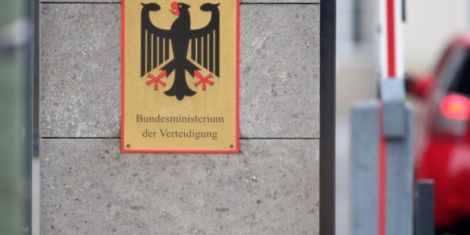 Kramp Karrenbauer bekommt Ärger im Verteidigungsministerium 660x330 - Kramp-Karrenbauer bekommt Ärger im Verteidigungsministerium