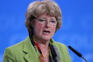 Kulturstaatsministerin will härtere Strafen für Antisemiten 310x205 - Kulturstaatsministerin will härtere Strafen für Antisemiten