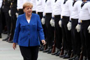 Modedesigner Kretschmer lobt Kleidungsstil von Merkel 310x205 - Modedesigner Kretschmer lobt Kleidungsstil von Merkel