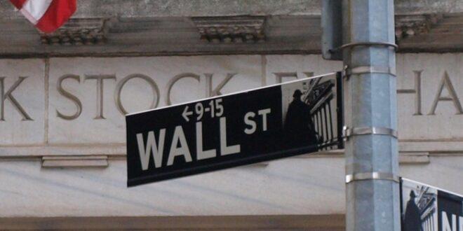 US Börsen uneinheitlich Gold setzt Sinkflug fort 660x330 - US-Börsen uneinheitlich - Gold setzt Sinkflug fort