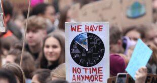 Umfrage Für Schüler und Studenten ist besonders Klimaschutz wichtig 310x165 - Umfrage: Für Schüler und Studenten ist besonders Klimaschutz wichtig