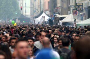 Umfrage Mehrheit fürchtet Auseinanderdriften der Gesellschaft 310x205 - Umfrage: Mehrheit fürchtet Auseinanderdriften der Gesellschaft