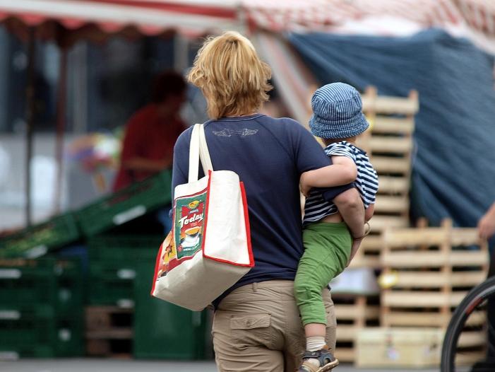 Verschuldung von Alleinerziehenden Haushalten steigt deutlich - Verschuldung von Alleinerziehenden-Haushalten steigt deutlich
