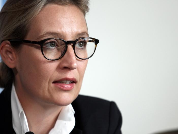 """Photo of Weidel wirft EZB """"Umverteilung von unten nach oben"""" vor"""