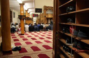 Zentralrat der Muslime will mehr Polizeischutz für Moscheen 310x205 - Zentralrat der Muslime will mehr Polizeischutz für Moscheen
