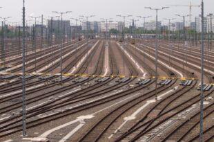 Bahn will künftig 2.600 herkömmliche Stellwerke ersetzen 310x205 - Bahn will künftig 2.600 herkömmliche Stellwerke ersetzen