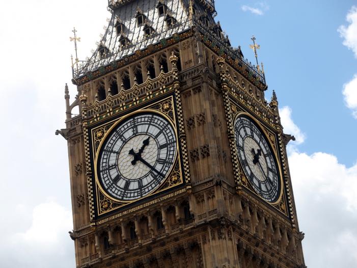 Britisches Unterhaus vertagt Entscheidung über Brexit Deal - Britisches Unterhaus vertagt Entscheidung über Brexit-Deal