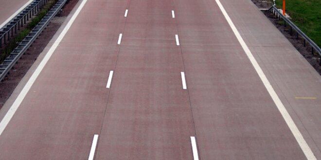 Bundestag lehnt Grünen Vorstoß zu Tempolimit auf Autobahnen ab 660x330 - Bundestag lehnt Grünen-Vorstoß zu Tempolimit auf Autobahnen ab