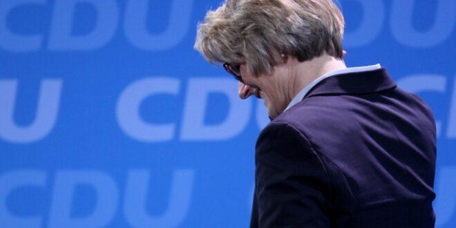 FDP fordert Rücktritt von Karliczek 660x330 - FDP fordert Rücktritt von Karliczek