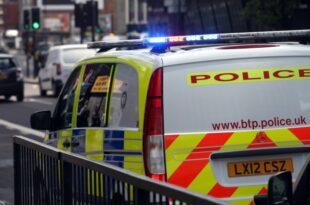 Großbritannien Zwei weitere Festnahmen nach Leichenfund in Lkw 310x205 - Großbritannien: Zwei weitere Festnahmen nach Leichenfund in Lkw