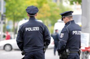 Nach Schüssen in Halle Bundesweit mehr Polizei vor Synagogen 310x205 - Nach Schüssen in Halle: Bundesweit mehr Polizei vor Synagogen