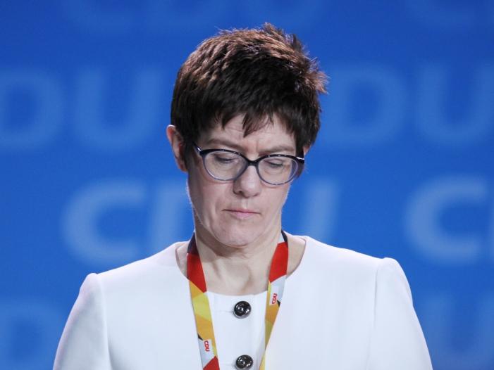 """Photo of Nouripour bezeichnet AKK-Vorstoß als """"diplomatischen Blindgänger"""""""