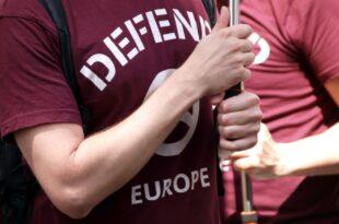 Politiker von SPD und FDP fordern Verbot der Identitären Bewegung 310x205 - Politiker von SPD und FDP fordern Verbot der Identitären Bewegung