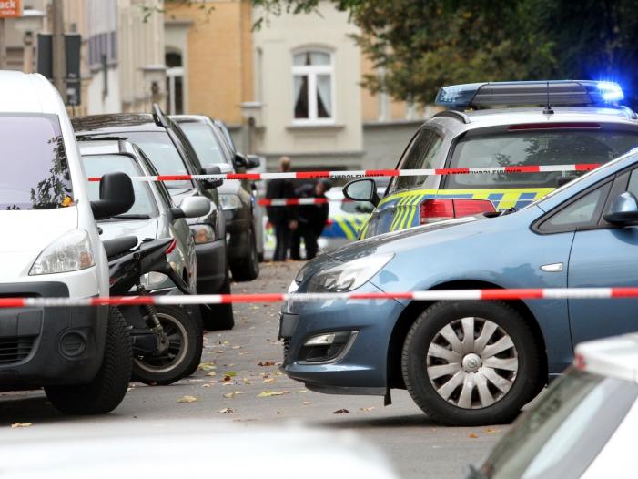 Polizei gibt in Halle Entwarnung Einzeltäter vermutet - Polizei gibt in Halle Entwarnung - Einzeltäter vermutet