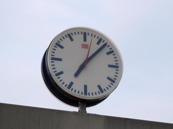 Bild von Reul will von EU-Staaten schnelle Einigung bei Zeitumstellung