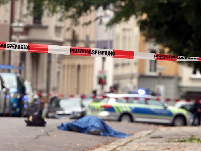 Photo of Sachsen-Anhalts Innenminister: Polizei kam nach 8 Minuten
