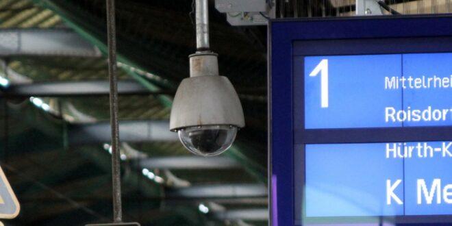 "Seehofer will Videoüberwachung in nahezu allen größeren Bahnhöfen 660x330 - Seehofer will Videoüberwachung in ""nahezu allen"" größeren Bahnhöfen"