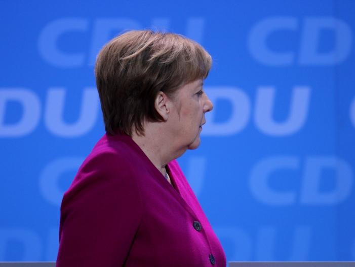 Bild von Spitzenökonomen verlangen von Merkel Einsatz für Brexit-Deal