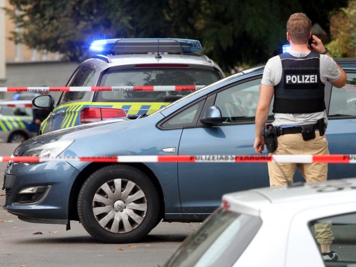 """Photo of Täter von Halle soll """"Manifest"""" im Internet veröffentlicht haben"""