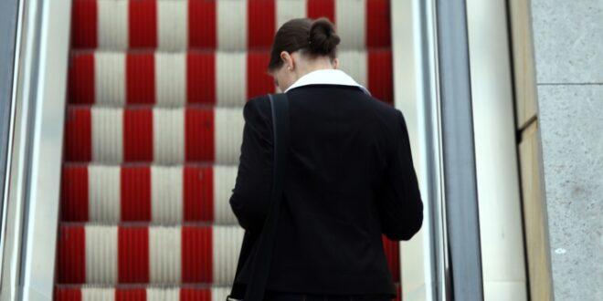 Umfrage Mehrheit für mehr Frauen in Spitzenpositionen 660x330 - Umfrage: Mehrheit für mehr Frauen in Spitzenpositionen