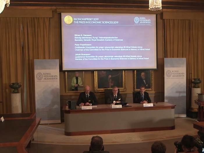 Bild von Wirtschaftsnobelpreis geht an drei Armutsforscher