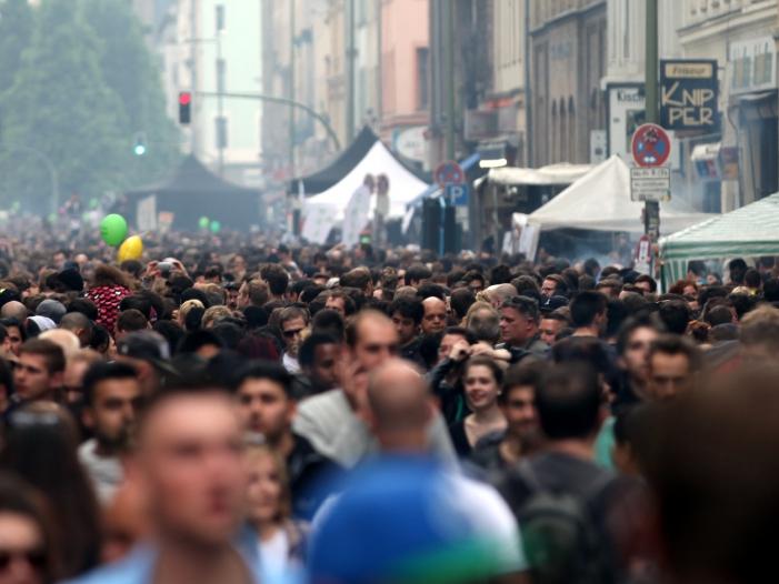 Photo of AfD beklagt unzureichenden Kampf gegen wachsende Weltbevölkerung