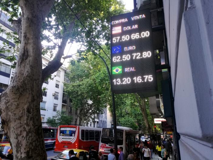 Photo of Argentinien schränkt Kapitalverkehr weiter ein