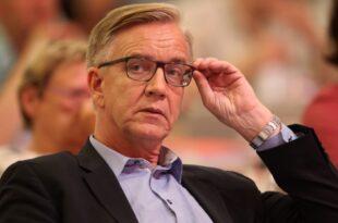 """Bartsch verlangt nach Hartz IV Urteil Systemwechsel 310x205 - Bartsch verlangt nach Hartz-IV-Urteil """"Systemwechsel"""""""