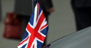 Britisches Königshaus Prinz Andrew legt öffentliche Ämter nieder 310x165 - Britisches Königshaus: Prinz Andrew legt öffentliche Ämter nieder