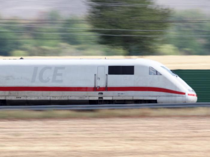Bundeswehrsoldaten müssen Gratis Bahnfahrten nicht versteuern - Bundeswehrsoldaten müssen Gratis-Bahnfahrten nicht versteuern