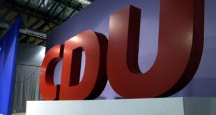 CDU Chefin fordert Ende von Personaldebatten 310x165 - CDU-Chefin fordert Ende von Personaldebatten