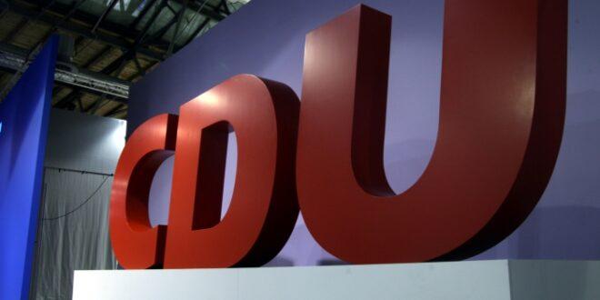 CDU Chefin fordert Ende von Personaldebatten 660x330 - CDU-Chefin fordert Ende von Personaldebatten