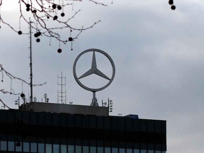 Daimler baut weltweit 1.100 Stellen von Führungskräften ab - Daimler baut weltweit 1.100 Stellen von Führungskräften ab