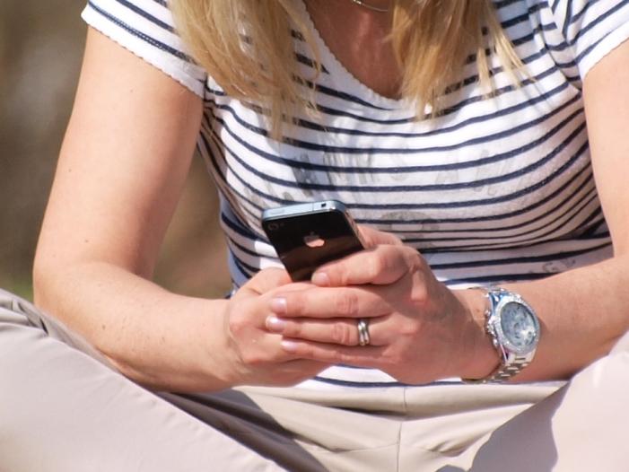Bild von Debatte um Handy-Zahlung: SPD-Politiker Zimmermann kritisiert Apple