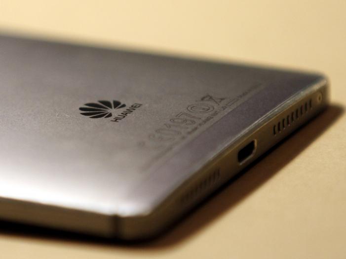 """Photo of Digitalstaatsministerin kritisiert """"scheinheilige"""" Huawei-Debatte"""