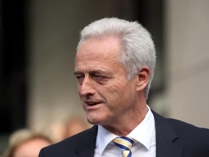"""FDP hält Ramsauer für Kronzeugen im Maut Untersuchungsausschuss - FDP hält Ramsauer für """"Kronzeugen"""" im Maut-Untersuchungsausschuss"""