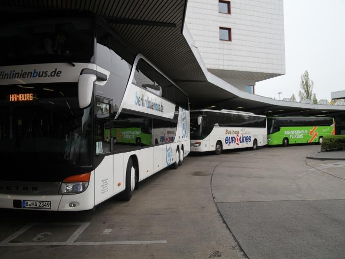 Fernbus Tickets Steuersenkung würde Bund 100 Millionen Euro kosten - Fernbus-Tickets: Steuersenkung würde Bund 100 Millionen Euro kosten