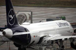 Flugbegleiter bestreiken Lufthansa 180.000 Passagiere betroffen 310x205 - Flugbegleiter bestreiken Lufthansa - 180.000 Passagiere betroffen