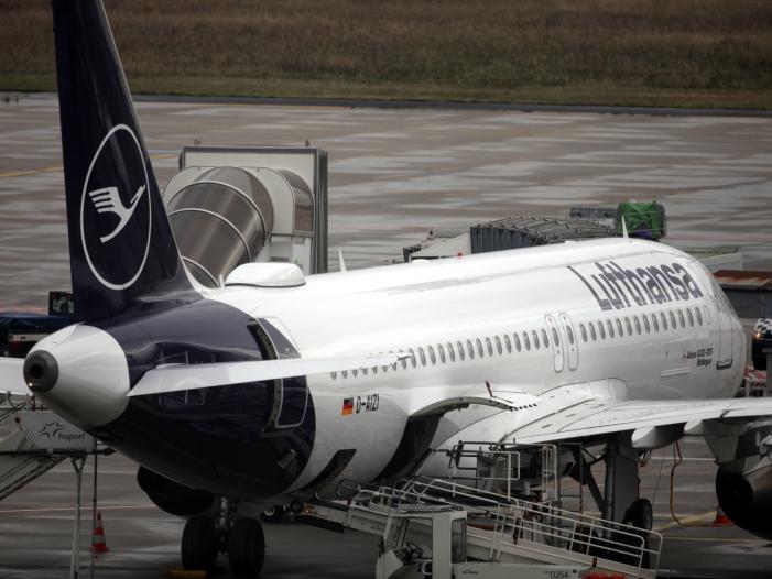 Bild von Flugbegleiter bestreiken Lufthansa – 180.000 Passagiere betroffen